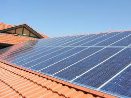 Solarni paneli vgrajeni v streho.