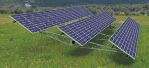 Sončna elektrarna opremljena z enoosnimi sončnimi sledilniki