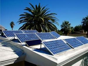 Sončna elektrarna na ravni strehi