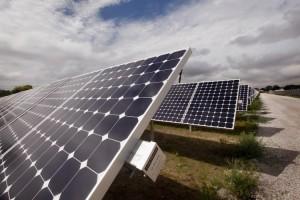 Sončna elektrarna na tleh